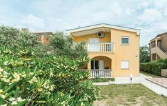 Ferienwohnung 1293933 für 5 Personen in Povljana