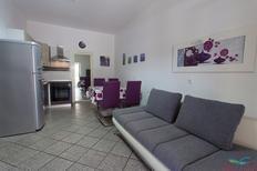 Appartement 1295992 voor 5 personen in Malinska-Dubašnica