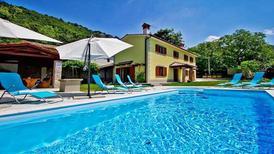 Villa 1297229 per 10 persone in Lupoglav