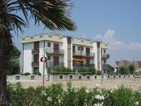Ferienwohnung 1297303 für 5 Personen in Lido delle Nazioni