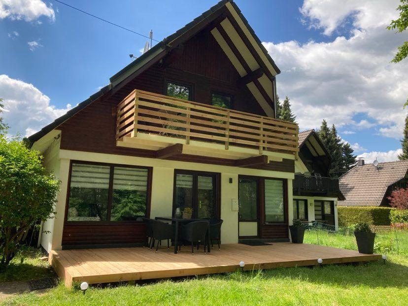 Idyllisch gelegenes 4-Sterne-Ferienhaus mit Balkon  in Hessen