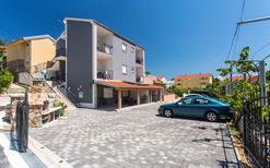 Appartement 1307431 voor 6 personen in Baška
