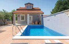 Ferienhaus 1307653 für 6 Personen in Peroj