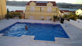 Ferienwohnung 1307835 für 4 Personen in Okrug Gornji