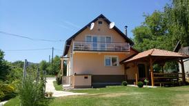 Vakantiehuis 1309189 voor 9 personen in Smoljanac