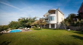 Maison de vacances 1309591 pour 8 personnes , Kostrena