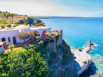 Vakantiehuis 1311036 voor 14 personen in Costa Saracena-Castelluccio
