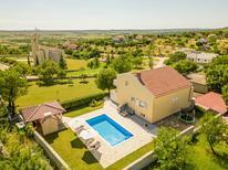 Casa de vacaciones 1311283 para 8 personas en Donji Lepuri