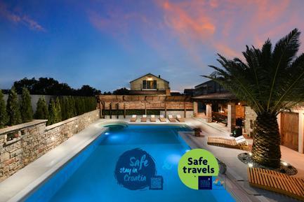 Gemütliches Ferienhaus : Region Dalmatien für 16 Personen