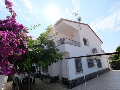 Gemütliches Ferienhaus : Region Costa-Dorada für 8 Personen
