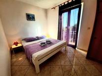 Appartement de vacances 1313494 pour 2 personnes , Pakoštane