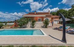 Vakantiehuis 1314361 voor 6 personen in Radetici