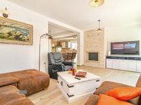 Vakantiehuis 1315605 voor 6 personen in Novigrad
