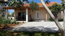 Ferienhaus 1317272 für 4 Personen in Turanj