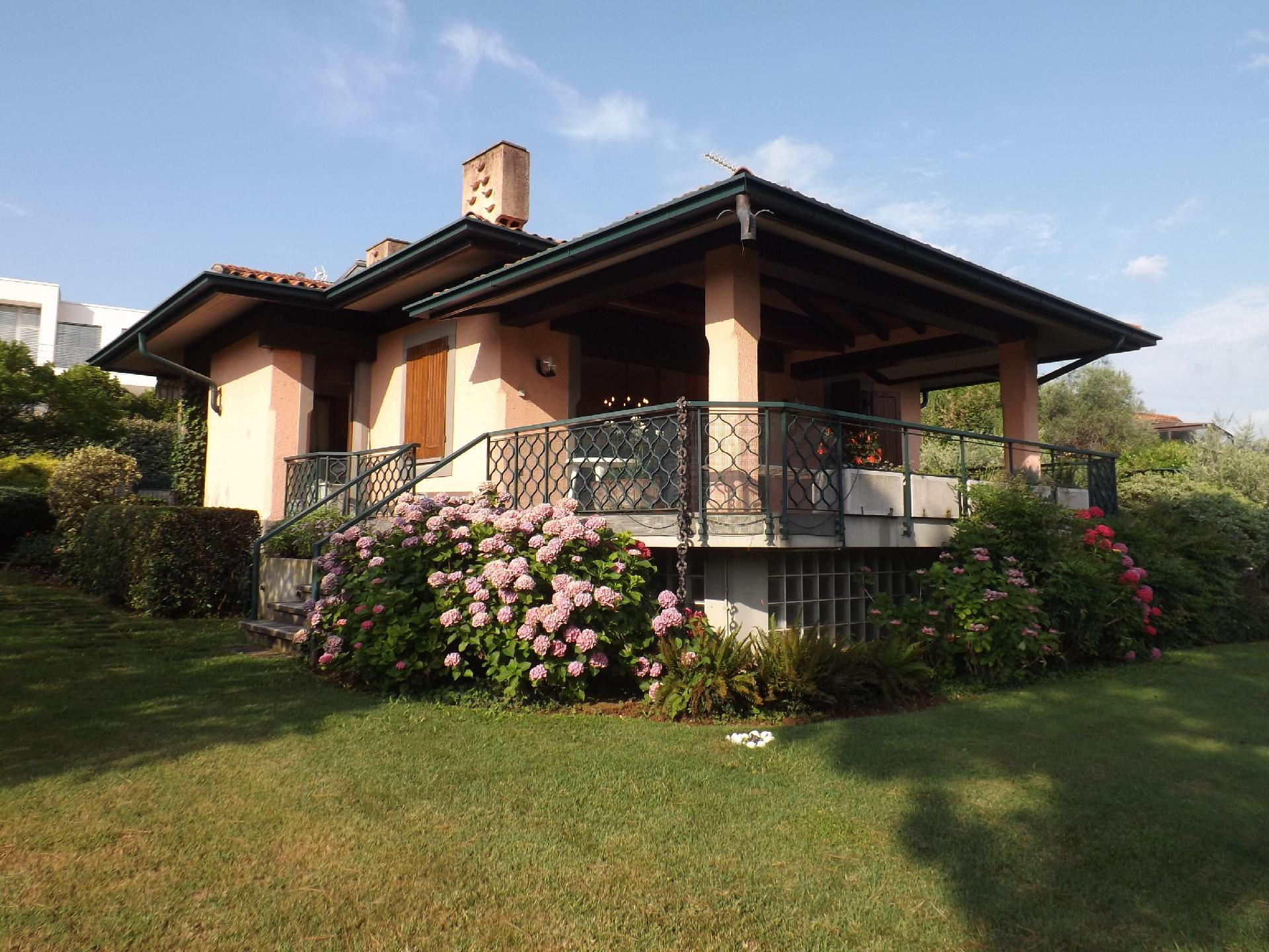 Ferienhaus für 9 Personen ca. 250 m² in    Gardasee - Lago di Garda
