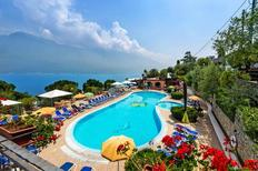 Mobile home 1321160 for 4 persons in Limone sul Garda