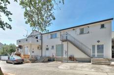Appartamento 1322838 per 4 persone in Katoro