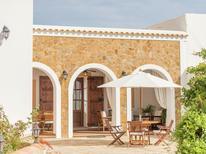 Villa 1323268 per 8 persone in Benirràs