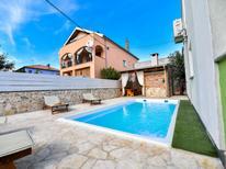Ferienhaus 1324203 für 8 Personen in Zadar