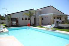 Vakantiehuis 1326139 voor 7 volwassenen + 2 kinderen in Alcamo Marina