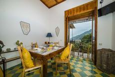 Appartement 1327526 voor 6 personen in Vietri sul Mare
