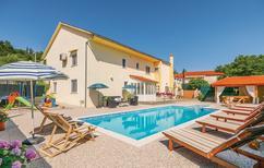 Ferienhaus 1327683 für 13 Personen in Zmijavci