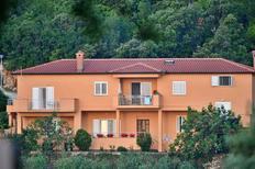 Appartement 1330409 voor 5 personen in Sveta Marina