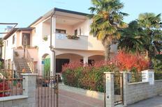 Ferienwohnung 1331636 für 5 Personen in Novigrad