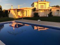 Ferienhaus 1333090 für 9 Erwachsene + 1 Kind in Boliqueime