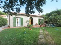 Holiday home 1335154 for 6 persons in Forte dei Marmi