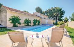 Ferienhaus 1335290 für 4 Personen in Vaison-la-Romaine