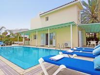 Ferienhaus 1335334 für 8 Personen in Pernera