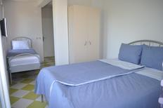 Studio 1335561 for 2 adults + 1 child in Ohrid