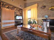 Appartement 1336898 voor 6 personen in San Giovanni la Punta