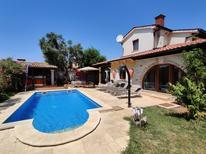 Casa de vacaciones 1337384 para 8 personas en Šišan
