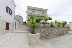 Ferienwohnung 1337989 für 7 Personen in Primošten