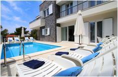 Ferienwohnung 1338001 für 7 Personen in Primošten