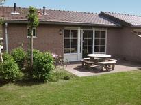 Semesterhus 1338240 för 6 personer i Voorthuizen