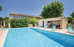 Holiday home 1338984 for 15 persons in Caderousse