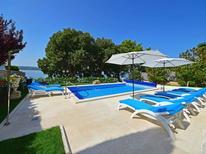 Casa de vacaciones 1339014 para 8 personas en Crikvenica