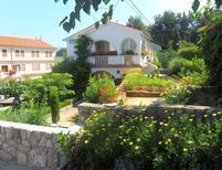 Appartamento 1339060 per 4 persone in Dobrinj