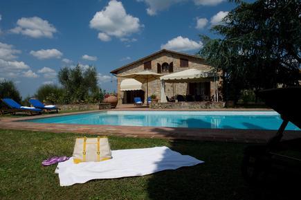 Gemütliches Ferienhaus : Region Siena für 10 Personen