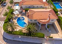 Ferienhaus 1339678 für 6 Personen in Costa del Zefir