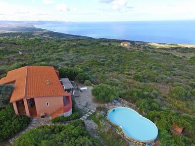 Gemütliches Ferienhaus : Region Sardinien für 12 Personen