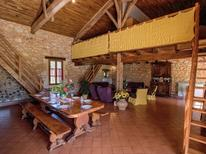 Villa 1340862 per 12 persone in Biron