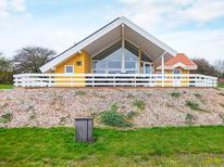 Ferienwohnung 1342395 für 8 Personen in Lavensby Strand
