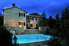 Ferienhaus 1342635 für 4 Personen in Kapovici