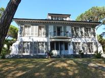 Villa 1342873 per 10 persone in Marina Di Massa