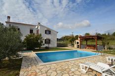 Casa de vacaciones 1343363 para 12 personas en Zuzici