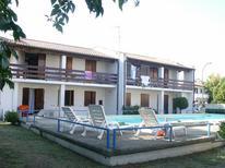 Ferienwohnung 1344887 für 5 Personen in Lido delle Nazioni